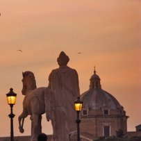 320 x 320: ITALY - ROME - SCULPTURE AND DOME