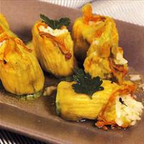 Zucchini blossoms stuffed with bulgur