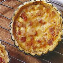 210 x 210: FOOD - FRANCE - QUICHE LORRAINE