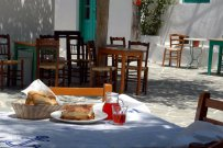Places to eat like a local in Athens
