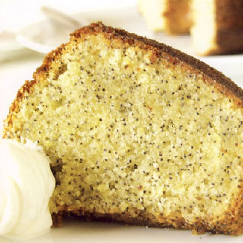 320 x 320: FOOD - DESSERT - LEMON AND POPPYSEED CAKE