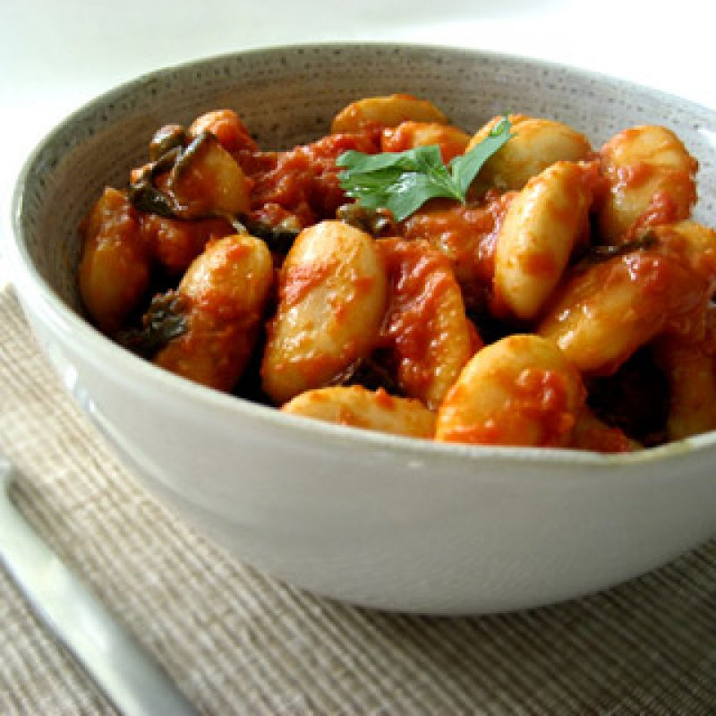 GREECE - BROAD BEANS IN TOMATO SAUCE (GIGANTES)