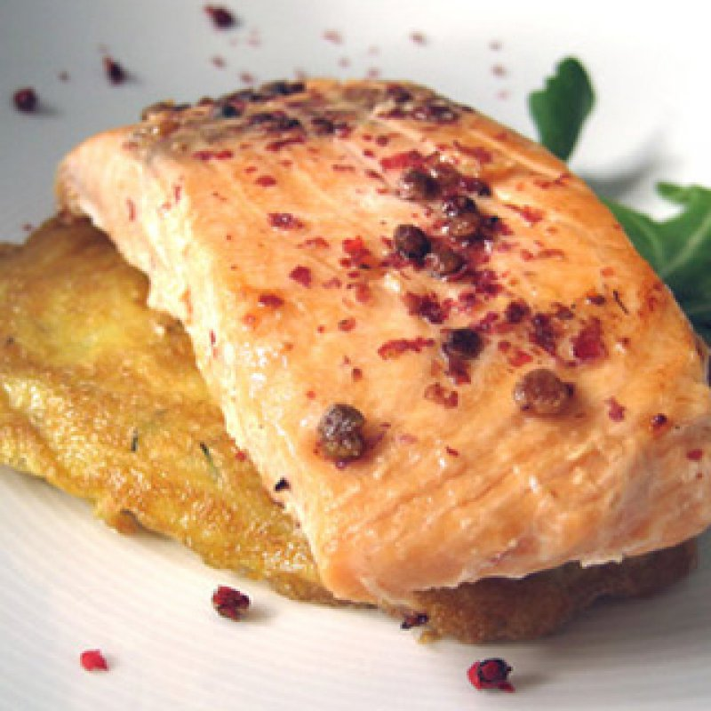 320 x 320: FOOD - GRILLED SALMON FILLET