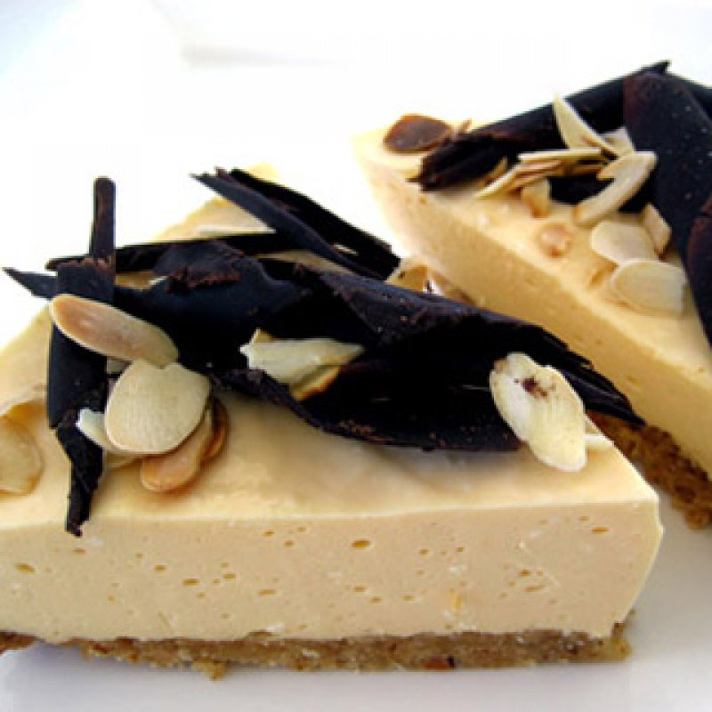 FOOD - DESSERT - AMARETTO CHEESCAKE