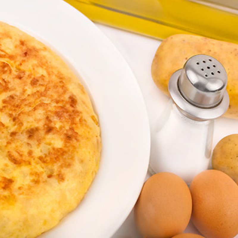eggs, frittata, tortilla, spring vegetables, spanish classic food, potatoes