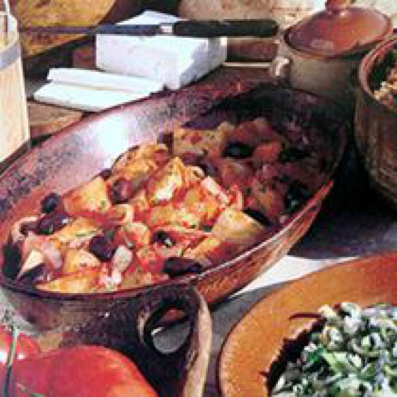 POTATO AND OLIVE STEW IN TOMATO SAUCE