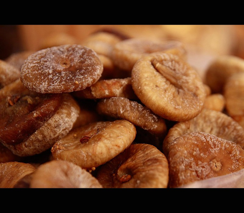 figs,nuts,appetizer,healthy food