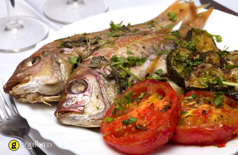 Grilled Fish with Tomatoes