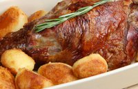 320x320:FOOD-ROAST LAMB AND POTATOES