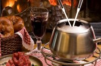 Meat Fondue with Tomato Sauce