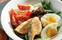 Nicoise salad with fresh salmon