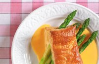 Asparagus Tips in Puff Pastry and Lemon Butter Sauce