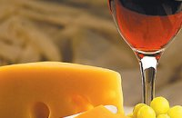 How to Combine Wine and Cheese