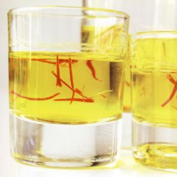 320 x 320: DRINK - GREECE - TSIPOURO WITH SAFFRON