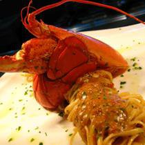 210 x 210: FOOD - PASTA WITH LOBSTER